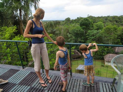 Is Ecuador safe for American Tourists: Visitors with children feeling totally at easy in Ecuador.
