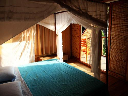 AMAZONE RIVIER, ECUADOR TOURS: Comfortable rooms at the Cuyabeno Lodge.