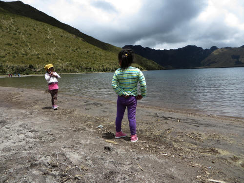 tottlers at lake Mojanda.