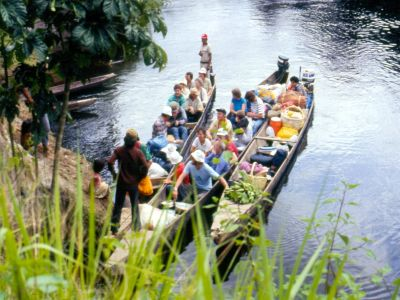 Cuyabeno Nature Reserve: The first Cuyabeno ecotour in 1986 sets off.