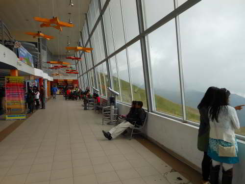 BEZIENSWAARDIGHEDEN QUITO: Mountain Station, Pichincha Cable Cart