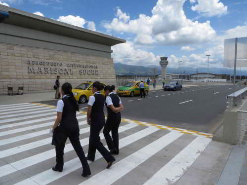 BEZIENSWAARDIGHEDEN QUITO: The new Quito Mariscal Sucre Airport Departure Hall